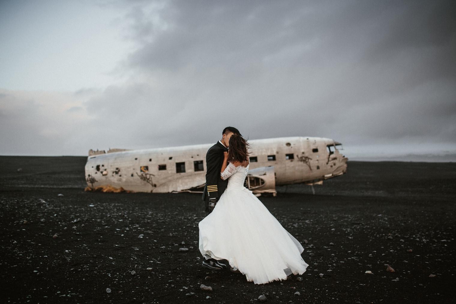 iceland plane wreck wedding